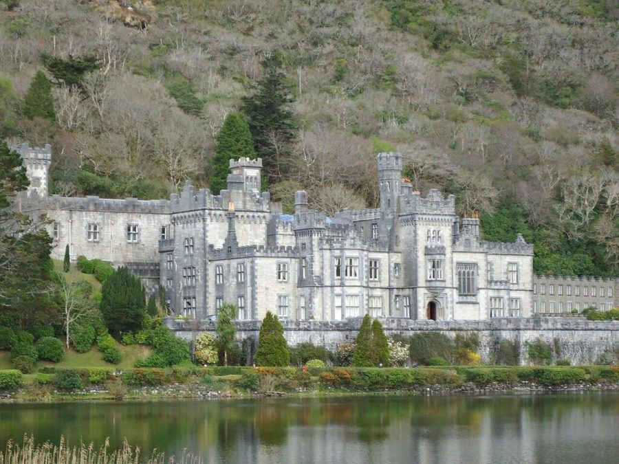 Kylemore abbey visiting Ireland