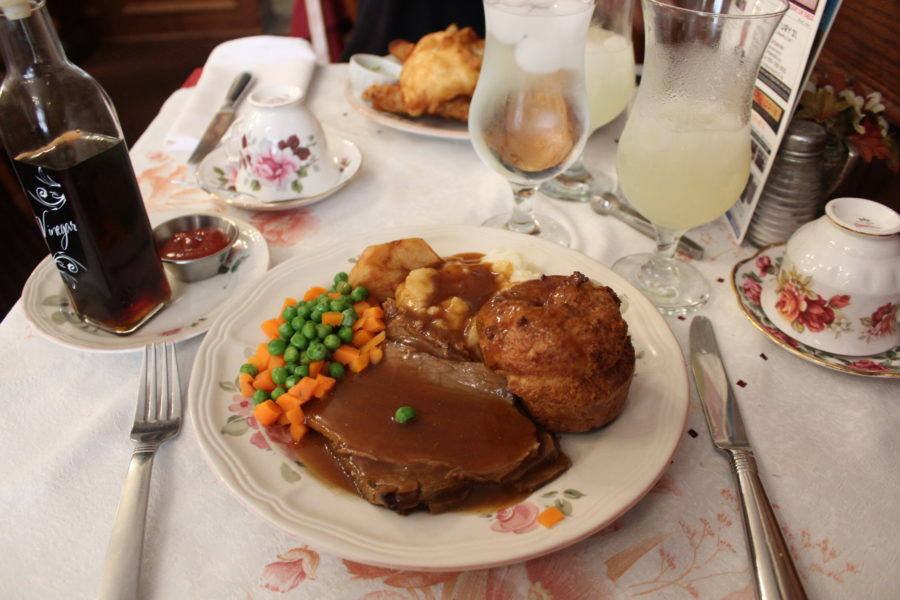 roast beef dinner at the Queen Charlotte Tea Room Niagara Falls