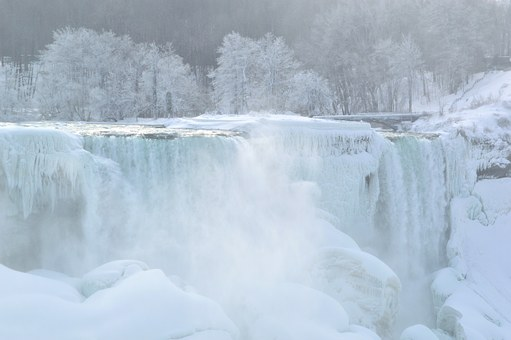 the American Falls frozen over