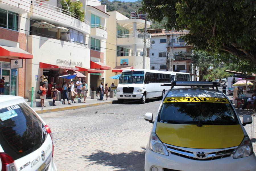 Bus to Boca de Tomatlan