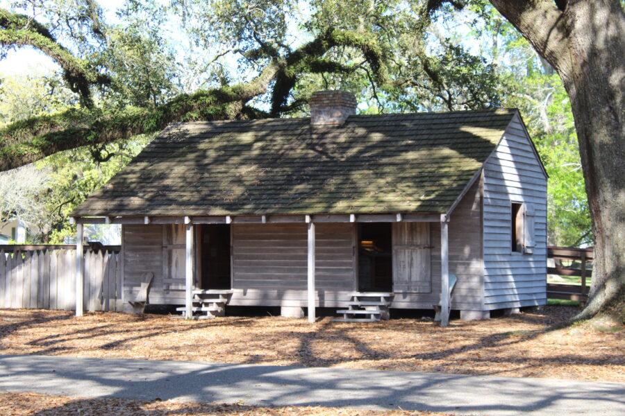 Oak Alley Plantation slave cabin
