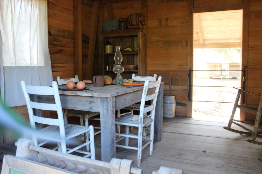 interior of the slave cabin at Oak Alley