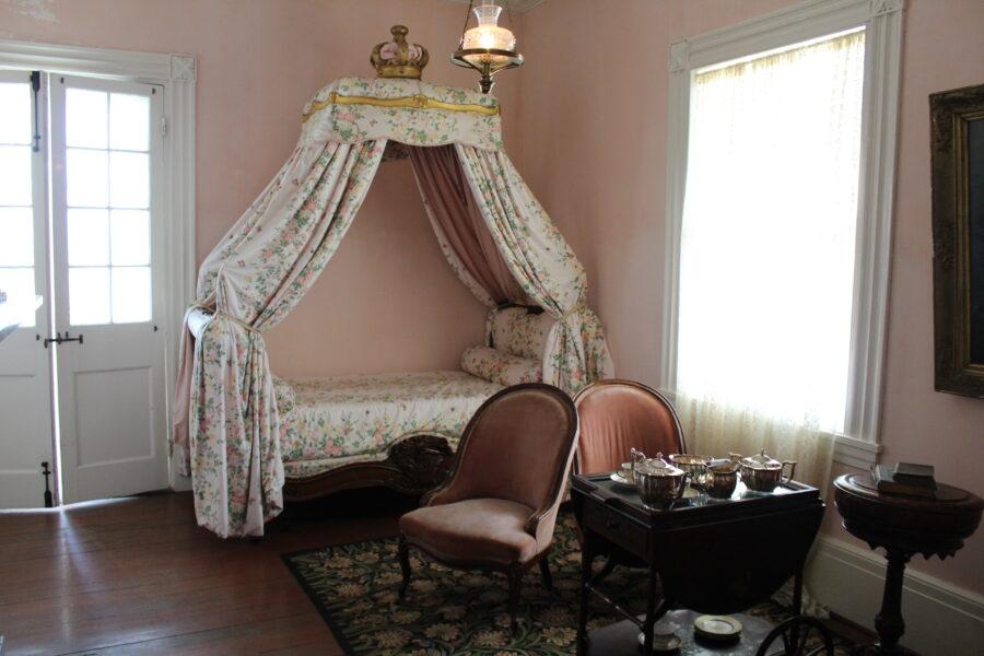 Evergreen Plantation bedroom