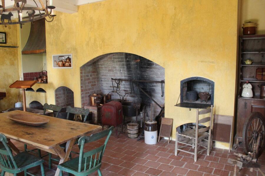 Evergreen Plantation kitchen