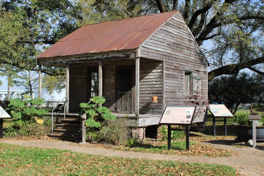 San Francisco Plantation slave cabin