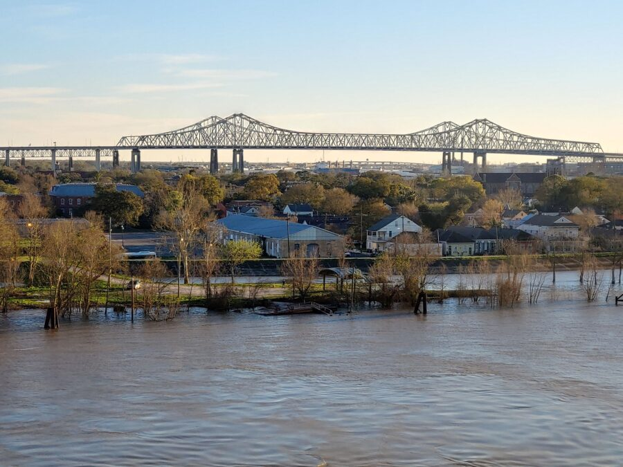 New Orleans bridge